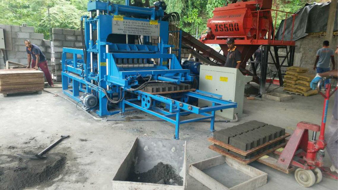 QTY4-15 Block making machine (7)