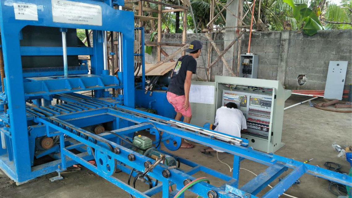 QTY4-15 block machine in Philippines (11)