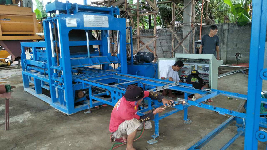 QTY4-15 block machine in Philippines (9)